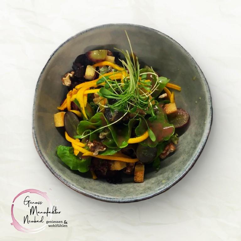 Herbstlicher Blattsalat